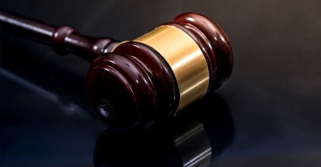 gavel on table, voluntary trial resolution in florida, private litigation trials